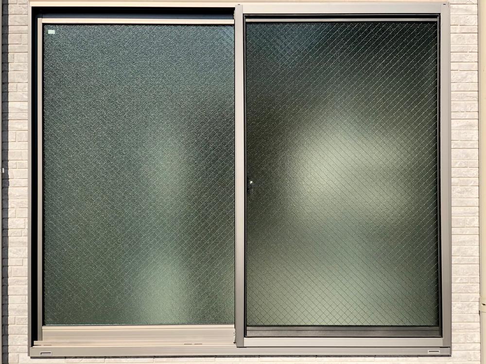 Le verre texturé la matière idéale pour l'esthétique et l'intimité